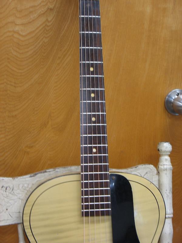Harmony guitar neck after restoration