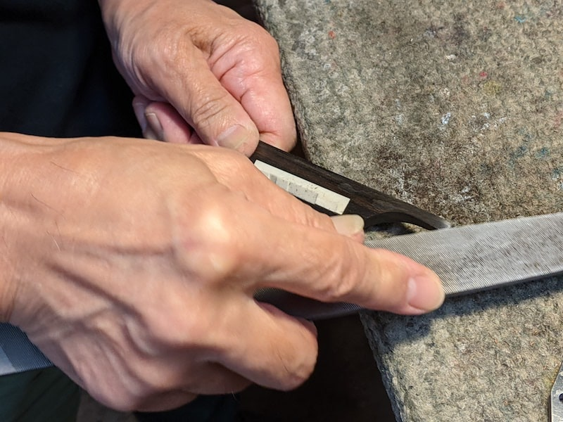 Shaping the wing bridge with a mill bastard